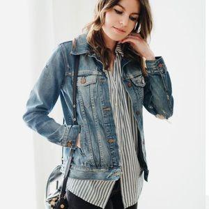 Madewell distressed denim jean jacket